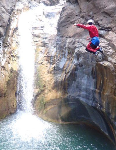 Saut canyon Bras rouge à Cilaos