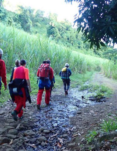 Marche d'approche canyon Rivière des roches